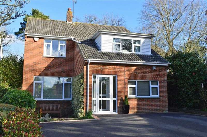 4 Bedrooms Detached House for sale in Giddylake, Wimborne, Dorset
