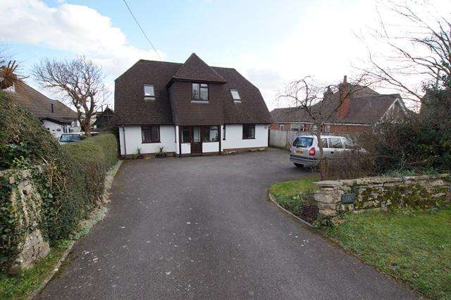 4 Bedrooms Detached House for sale in Salisbury Road, Blandford Forum