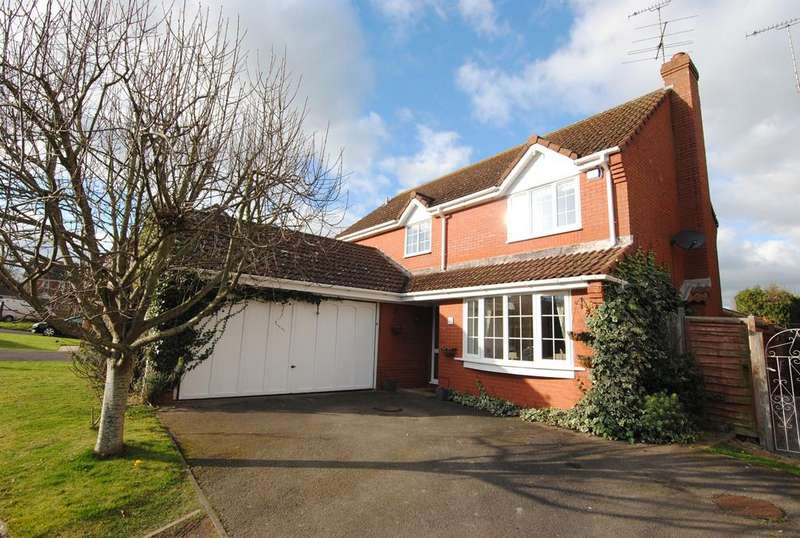 4 Bedrooms Detached House for sale in Durrington, Salisbury
