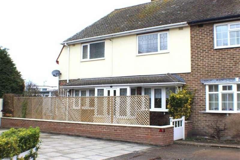 3 Bedrooms Semi Detached House for sale in George Street, Bridlington, East Yorkshire