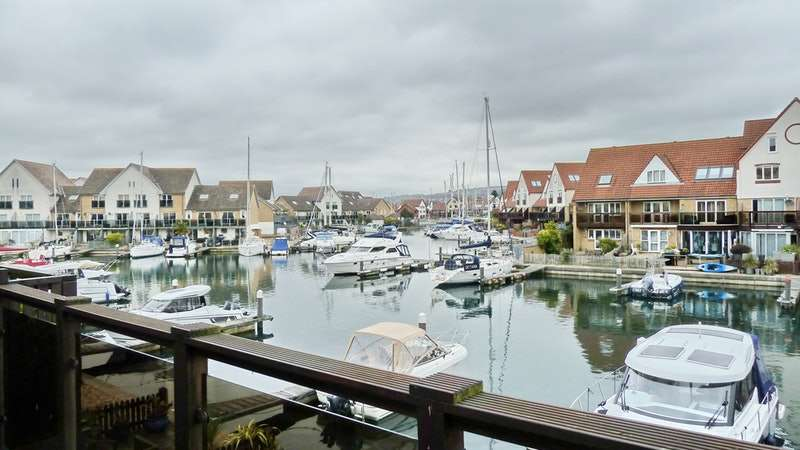 4 Bedrooms Town House for sale in Coverack Way, Portsmouth, Hampshire, PO6