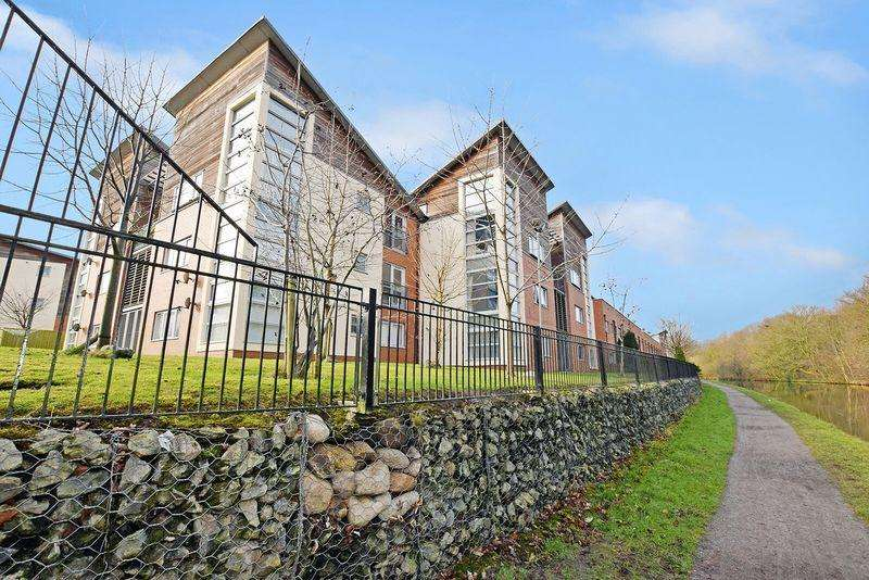 2 Bedrooms Apartment Flat for sale in Waterbridge Mews, Runcorn