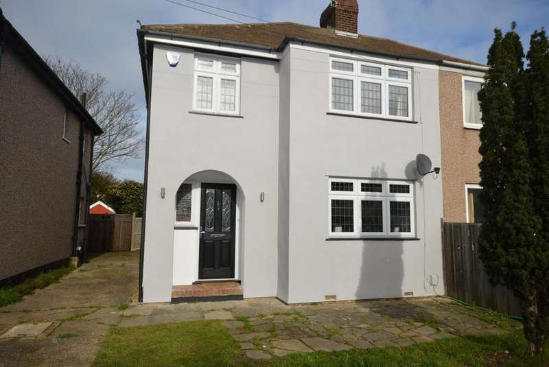 3 Bedrooms Semi Detached House for sale in Windermere Avenue, Hornchurch, Essex, RM12