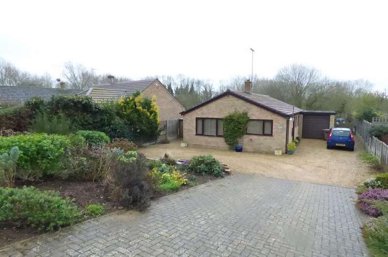 3 Bedrooms Detached Bungalow for sale in Bridge Road, Stoke Ferry