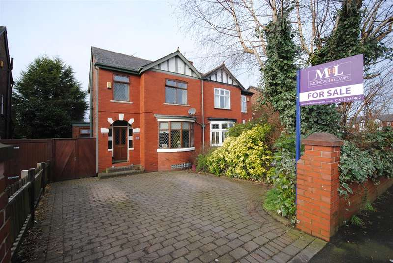 3 Bedrooms Semi Detached House for sale in Whitley Crescent, Whitley Wigan