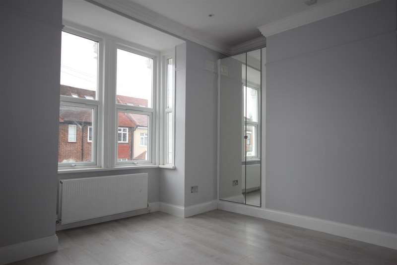 2 Bedrooms Apartment Flat for sale in Essex Road, London