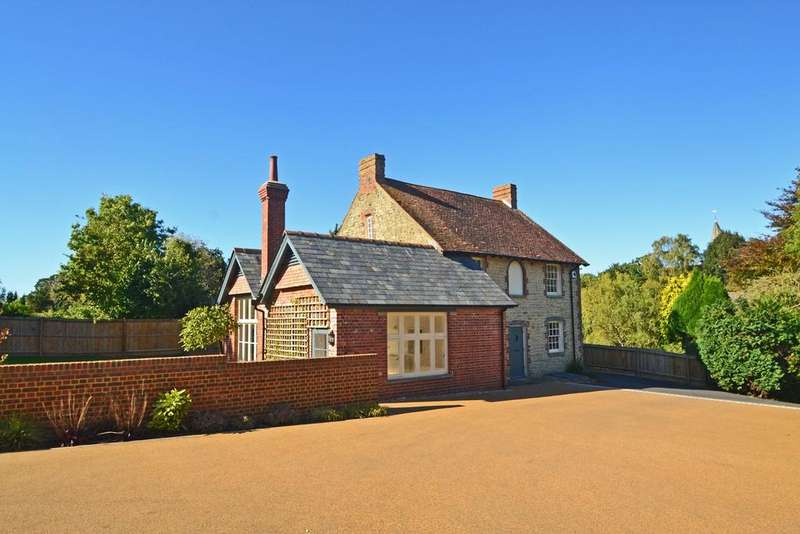 4 Bedrooms Detached House for sale in Castle Rise, West Chiltington, West Sussex, RH20