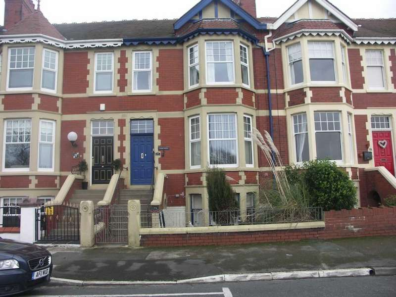 4 Bedrooms Terraced House for sale in Mount Road, Fleetwood