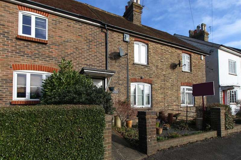 2 Bedrooms Terraced House for sale in Ardingly Road, Cuckfield