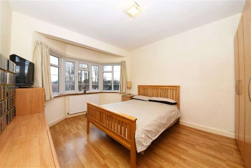 3 Bedrooms Flat for sale in Hendon Way, Hendon, London