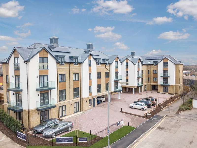 3 Bedrooms Apartment Flat for sale in Colchester, Essex