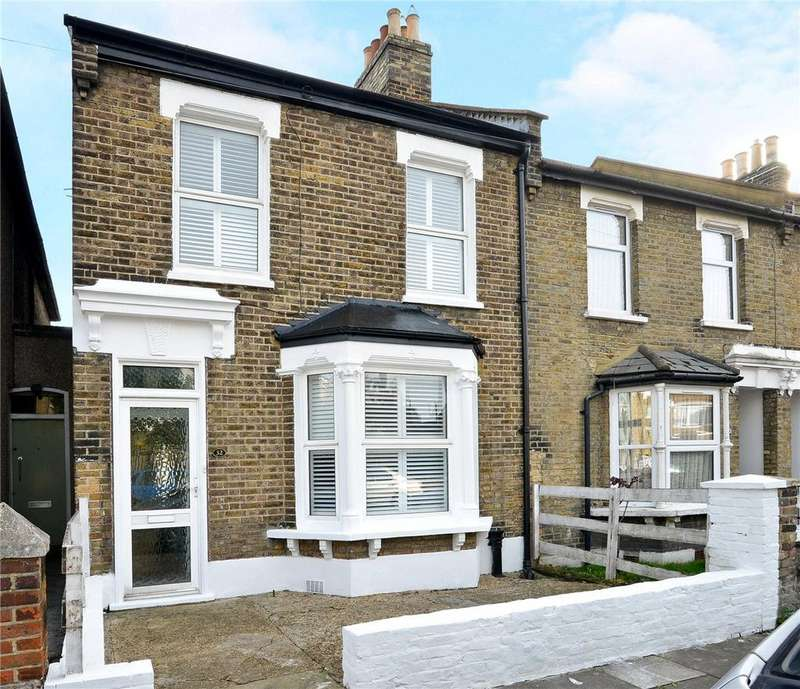 3 Bedrooms Terraced House for sale in Reynolds Road, Nunhead, London, SE15