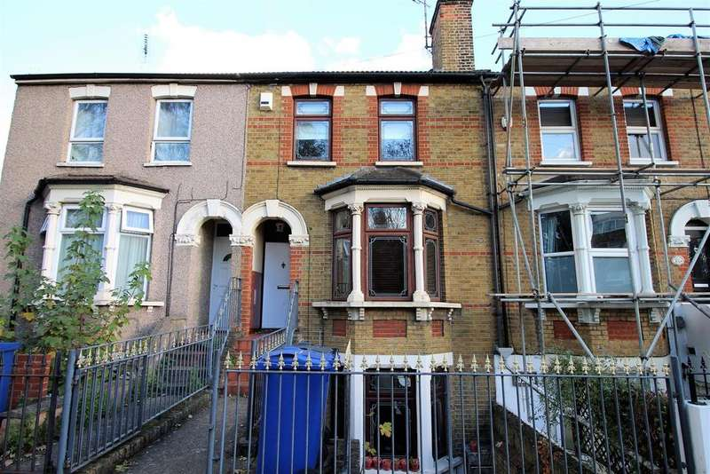 3 Bedrooms Terraced House for sale in Bridge Road, Grays