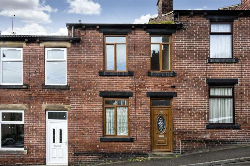 3 Bedrooms Terraced House for sale in Upper Mount Street, Batley, West Yorkshire, WF17