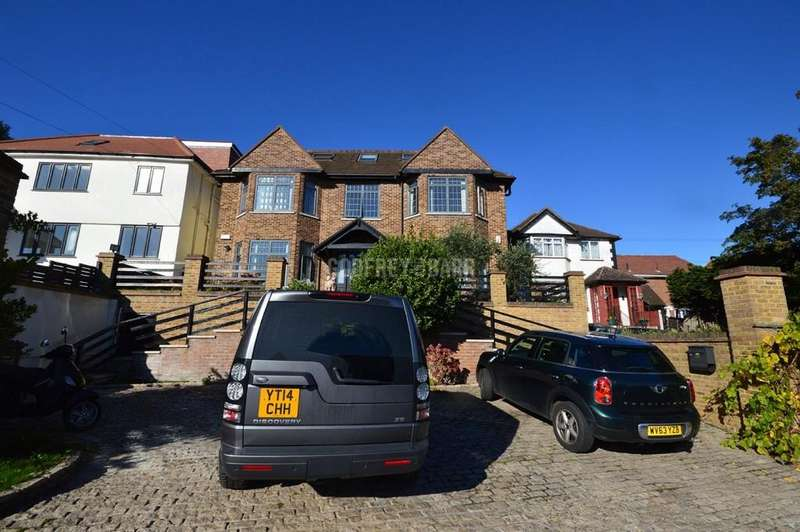 7 Bedrooms Detached House for rent in Wise Lane, Mill Hill