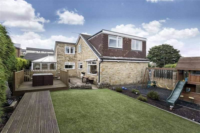 4 Bedrooms Detached House for sale in Roberttown Lane, Liversedge, West Yorkshire, WF15