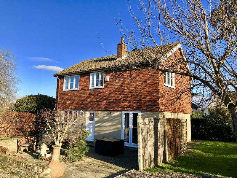 3 Bedrooms Detached House for sale in Danson Road, Bexley