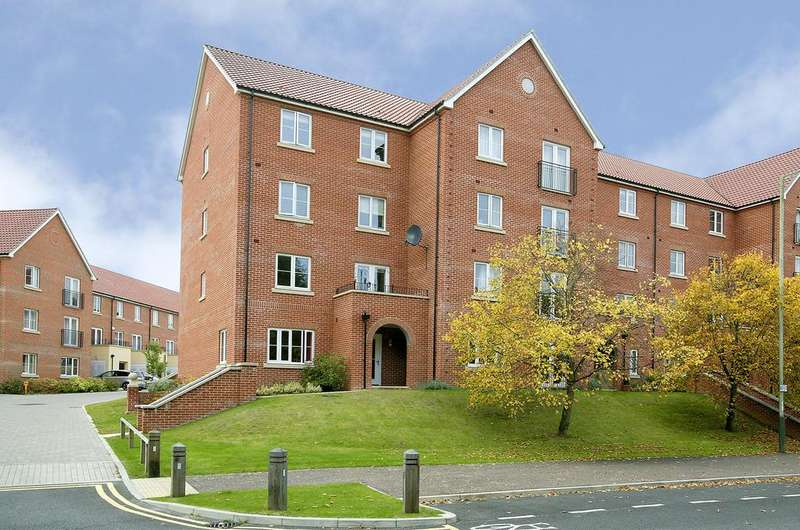 2 Bedrooms Apartment Flat for sale in Brazen Gate, Norwich