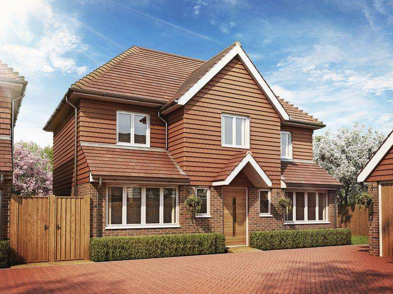 4 Bedrooms Detached House for sale in Eaton Close, Hempstead Road, Uckfield