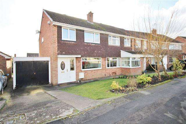 3 Bedrooms Semi Detached House for sale in Moorland View, Aston, Sheffield, S26 2FR