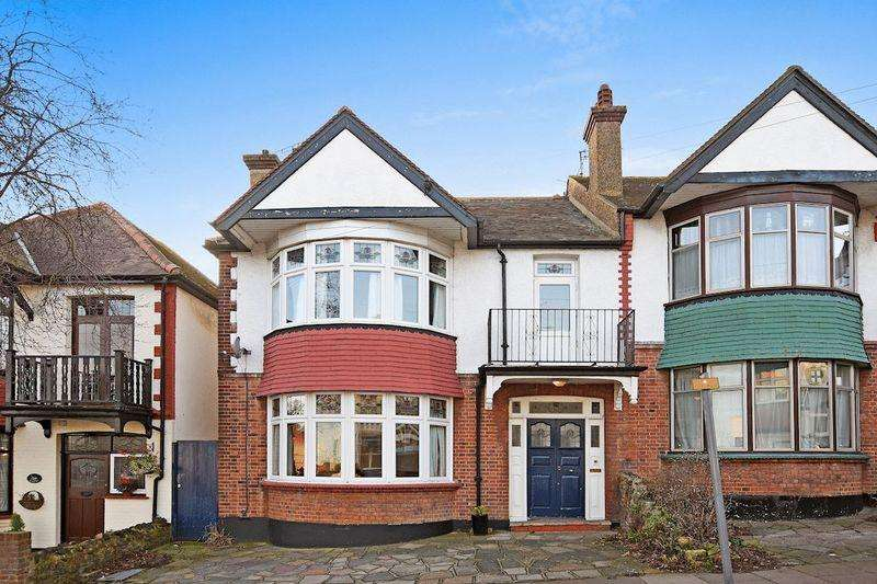 3 Bedrooms Semi Detached House for sale in Beach Avenue, Leigh-On-Sea