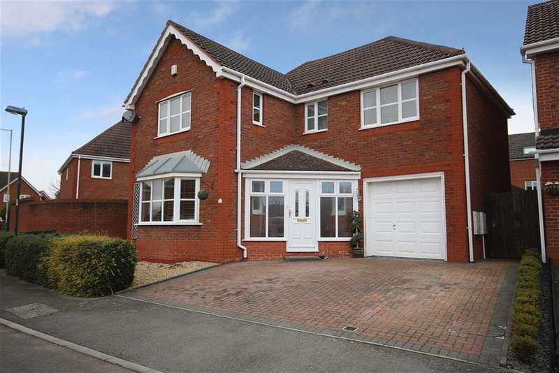 4 Bedrooms Detached House for sale in Galloway Road, Taw Hill, Wiltshire