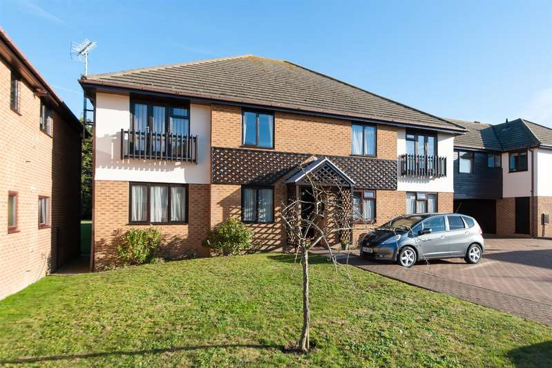 2 Bedrooms Flat for sale in Miles Way, Birchington