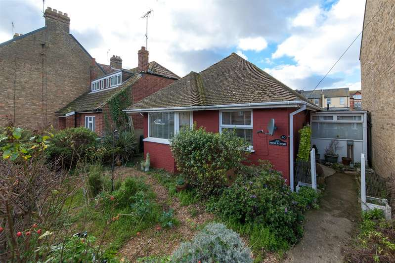 2 Bedrooms Detached Bungalow for sale in Belmont Road, Westgate-On-Sea