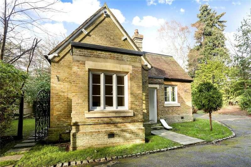 2 Bedrooms Detached House for sale in Wick Road, Egham, Surrey, TW20