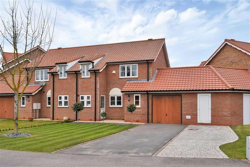 3 Bedrooms Semi Detached House for sale in Park Lane, Burton Waters, Lincoln, Lincolnshire