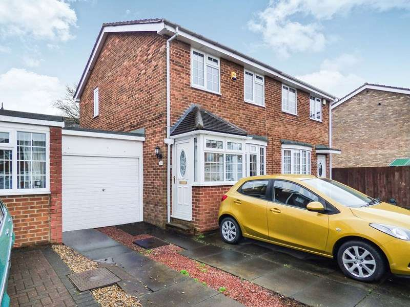 3 Bedrooms Property for sale in Alston Road, New Hartley, Whitley Bay, Northumberland, NE25 0ST