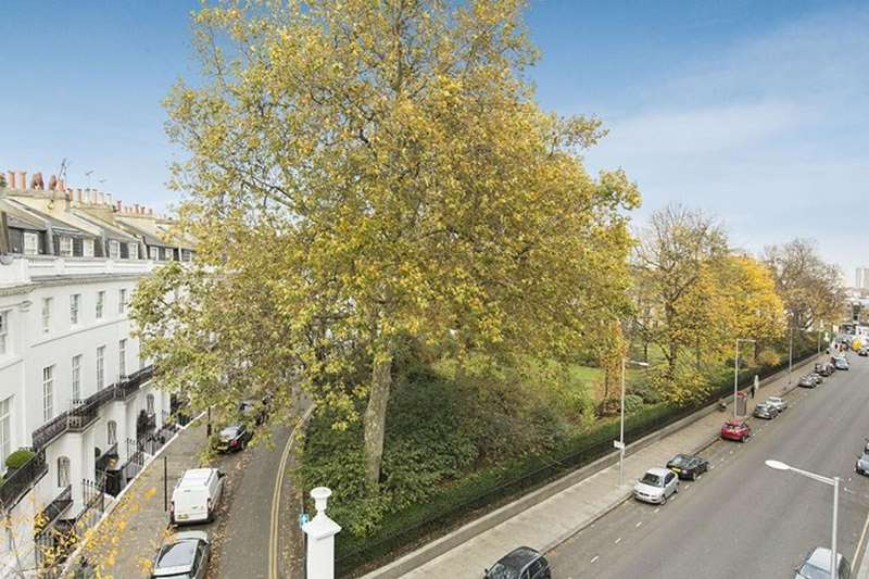 2 Bedrooms Apartment Flat for sale in Pelham Court, Fulham Road, SW3