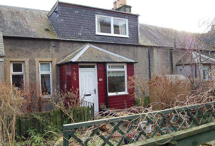 2 Bedrooms Flat for sale in 65 Galashiels Road, Walkerburn, EH43 6AD