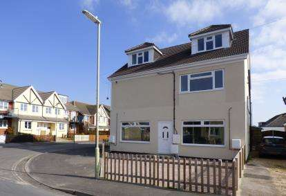 1 Bedroom Flat for sale in Hayling Island, Hampshire