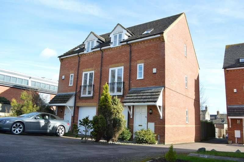 3 Bedrooms Semi Detached House for sale in Saxon Acre, Brackley
