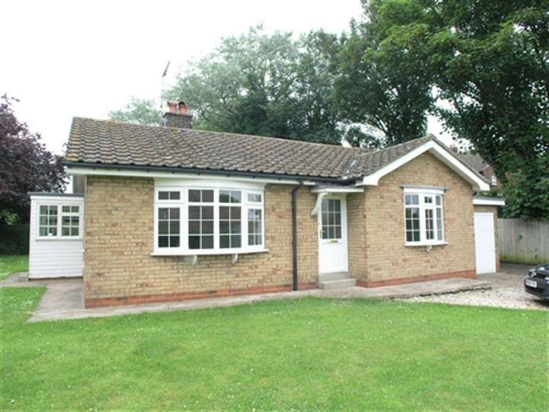 2 Bedrooms Bungalow for rent in Main Street, Beeford, Driffield