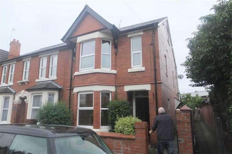 3 Bedrooms Semi Detached House for rent in Holbache Road, Oswestry, SY11