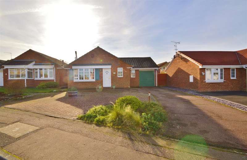 3 Bedrooms Detached Bungalow for sale in Jerome Road, Larkfield