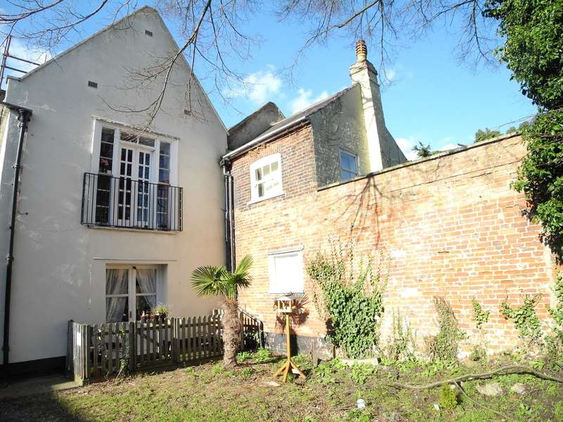 2 Bedrooms Ground Flat for sale in Blyburgate, Beccles