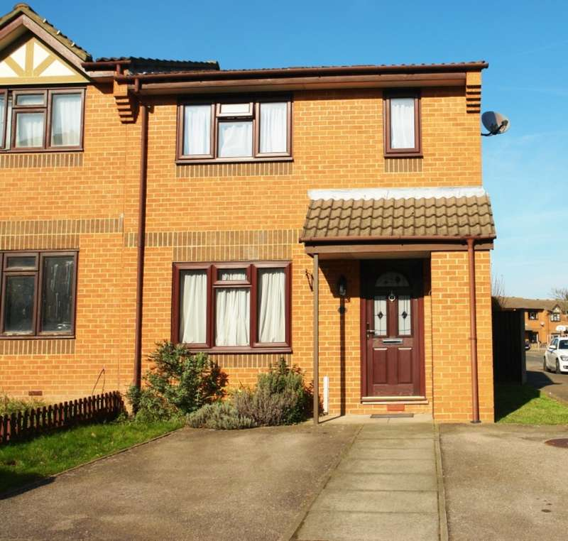 2 Bedrooms End Of Terrace House for sale in Chaffinch road, Tolworth, Surrey