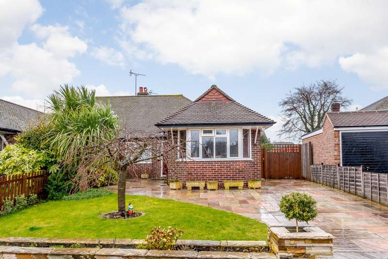 2 Bedrooms Semi Detached Bungalow for sale in Weybridge
