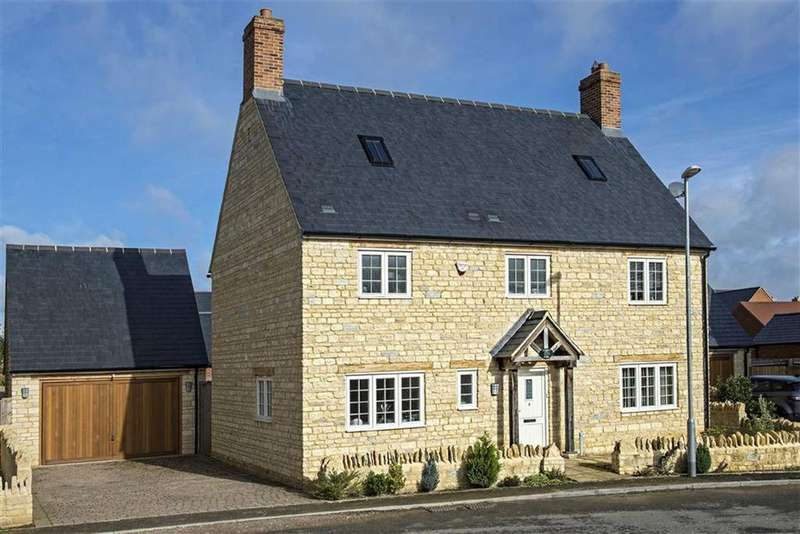 3 Bedrooms Detached House for sale in 3, Sycamore Close, Brackley