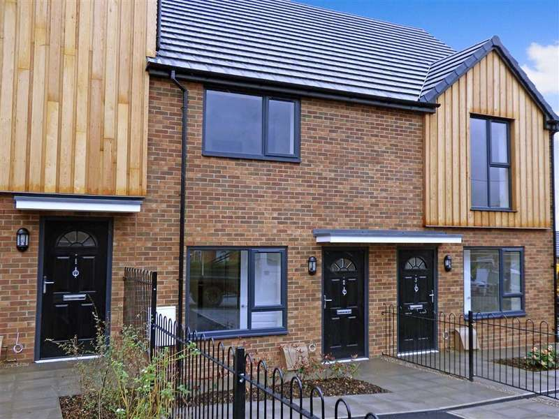2 Bedrooms Mews House for sale in Daisy Close, Woodshutts Park, Kidsgrove
