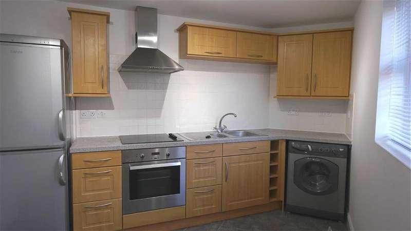 2 Bedrooms Flat for rent in Bridgewater Close, Frodsham, WA6