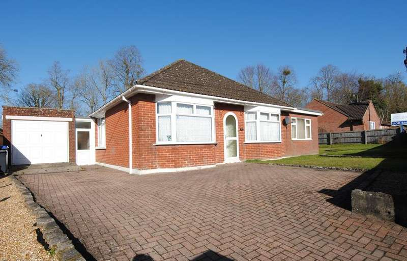 4 Bedrooms Detached Bungalow for sale in London Road, Amesbury, Salisbury, SP4 7DX.