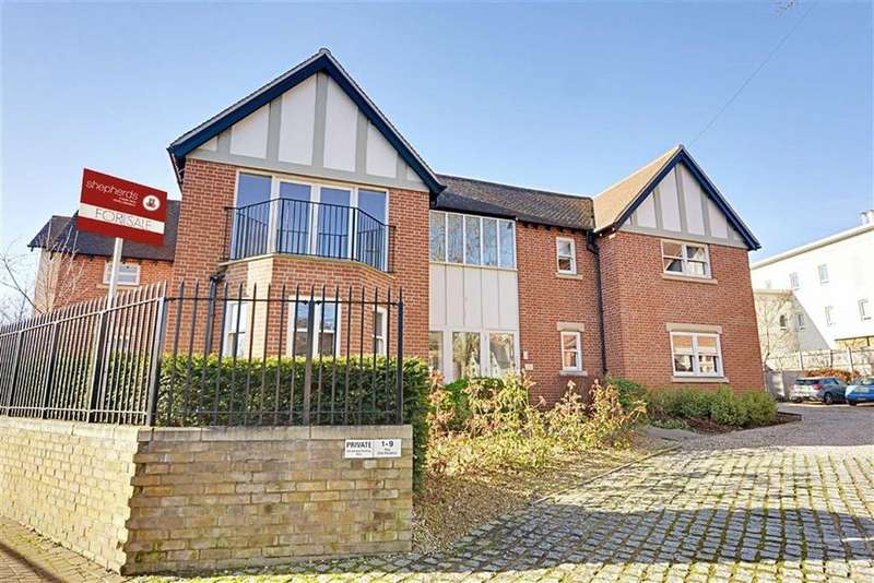 2 Bedrooms Flat for sale in St Andrews Rectory, 43 North Road, Hertford, SG14
