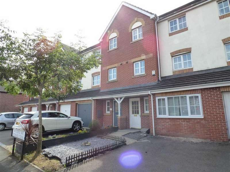 4 Bedrooms Town House for sale in Lychgate Close, Stoke, Stoke-on-Trent