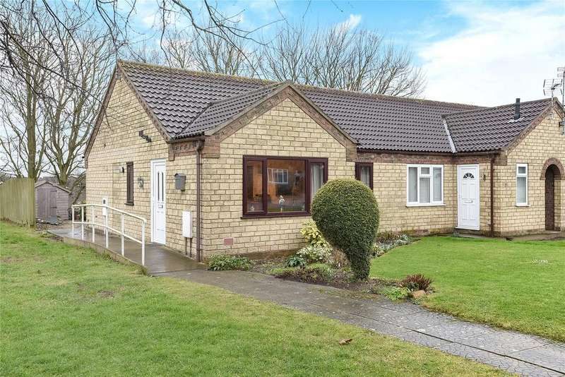 2 Bedrooms Bungalow for sale in Talbot Close, Navenby, LN5