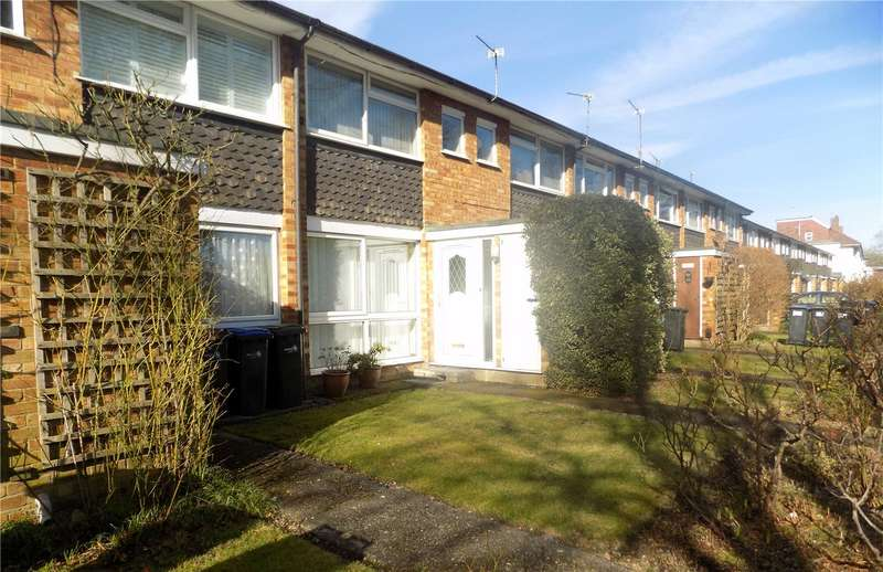 2 Bedrooms Maisonette Flat for sale in Chase Side, Enfield, EN2