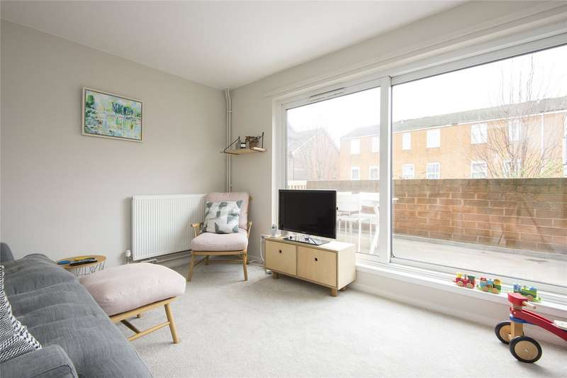 3 Bedrooms Flat for sale in Mabley Street, London, E9